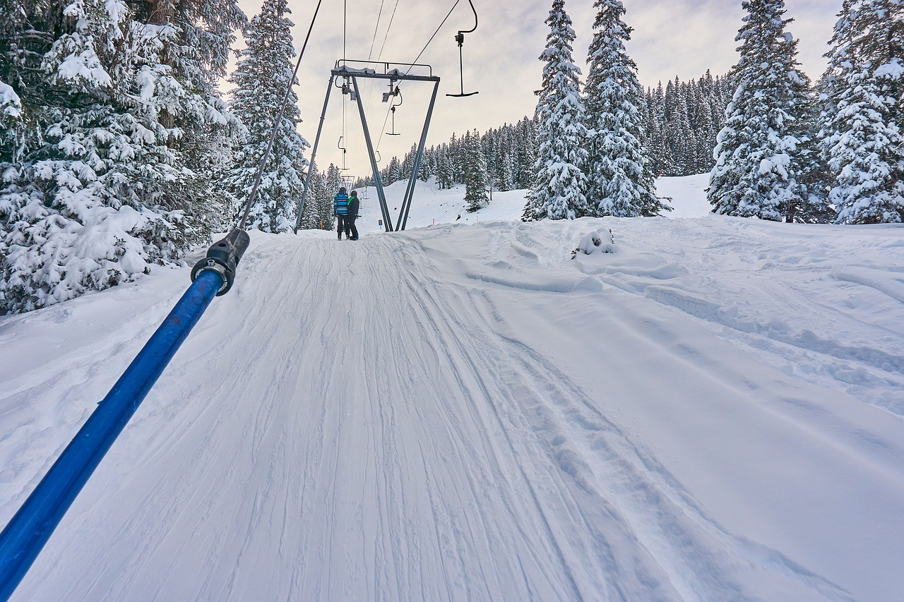 skiing-2338662_1280